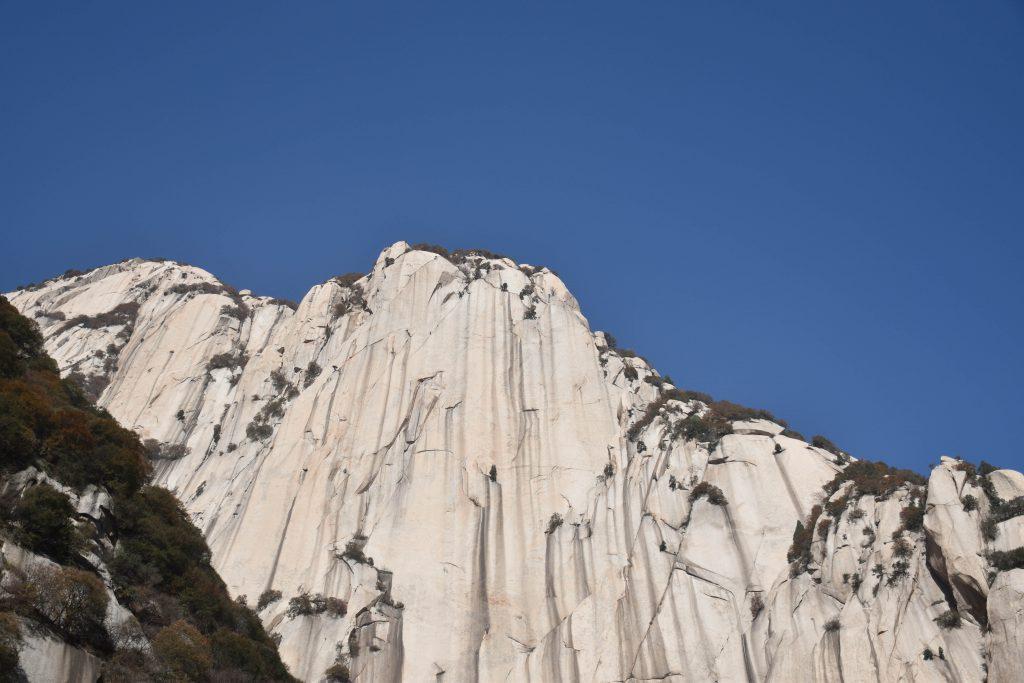 华山 花岗岩山体 1 1024x683 - 我在华山拍花岗岩