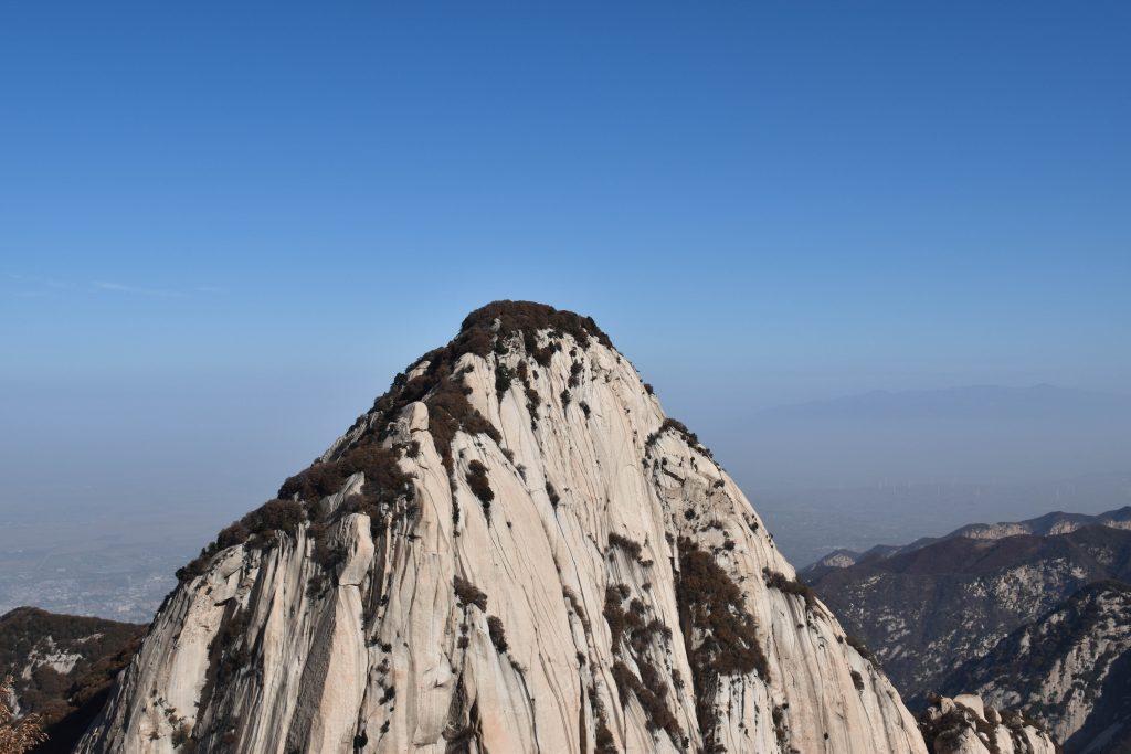华山 花岗岩山体 2 1024x683 - 我在华山拍花岗岩